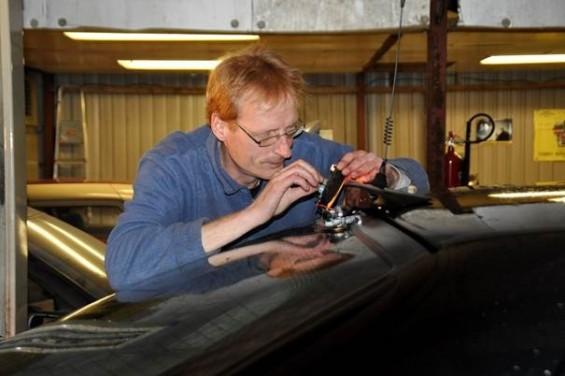 Niet iedereen met een afstand tot de arbeidsmarkt wil schapen knuffelen op een zorgboerderij... Daarom kwamen wij met de Zorggarage! | Passie voor techniek - EchtWerk.nl